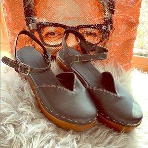Mary janes platform heel grey and brown